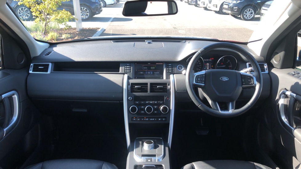 Land Rover Discovery Sport 2.0 TD4 180 HSE Black 5dr image 9