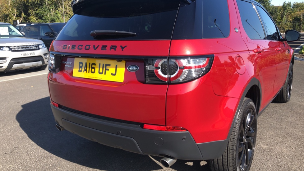 Land Rover Discovery Sport 2.0 TD4 180 HSE Black 5dr image 11
