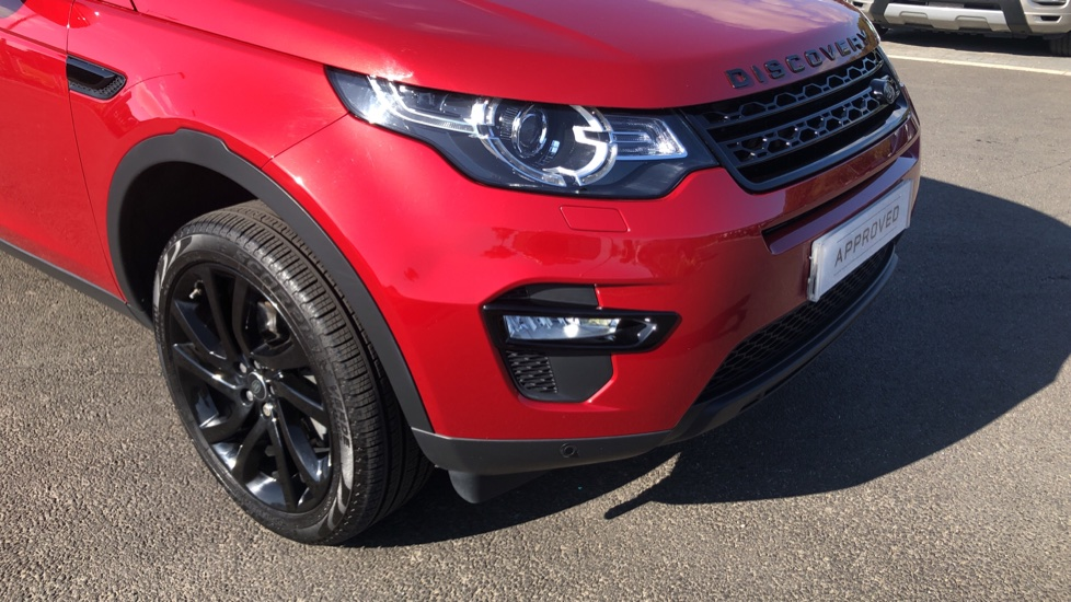 Land Rover Discovery Sport 2.0 TD4 180 HSE Black 5dr image 16