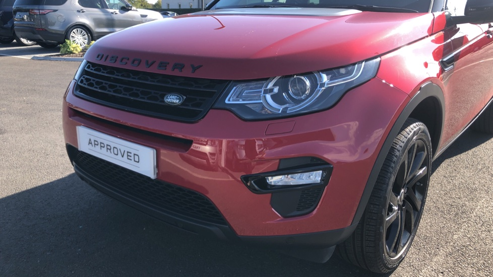 Land Rover Discovery Sport 2.0 TD4 180 HSE Black 5dr image 17