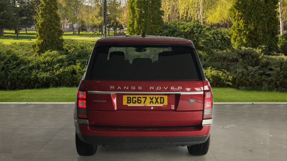 Land Rover Range Rover 3.0 SDV6 Vogue 4dr rear camera and sliding pan roof image 6
