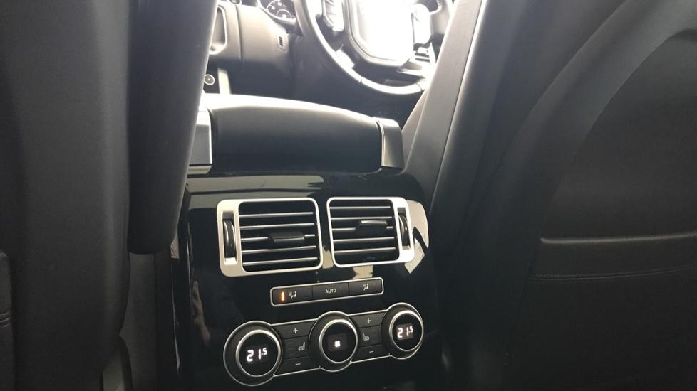 Land Rover Range Rover 3.0 SDV6 Vogue 4dr rear camera and sliding pan roof image 10