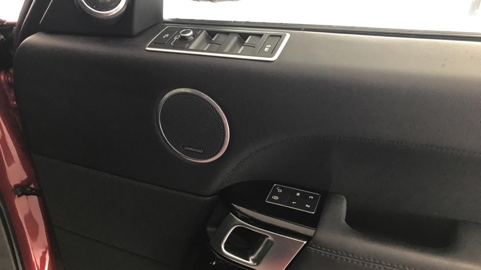 Land Rover Range Rover 3.0 SDV6 Vogue 4dr rear camera and sliding pan roof image 13