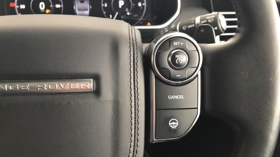 Land Rover Range Rover 3.0 SDV6 Vogue 4dr rear camera and sliding pan roof image 17
