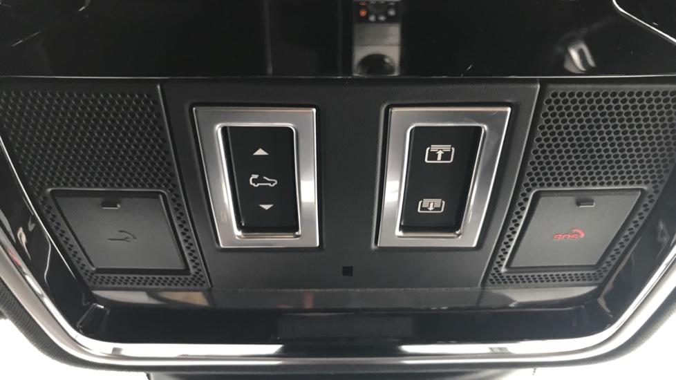 Land Rover Range Rover 3.0 SDV6 Vogue 4dr rear camera and sliding pan roof image 18