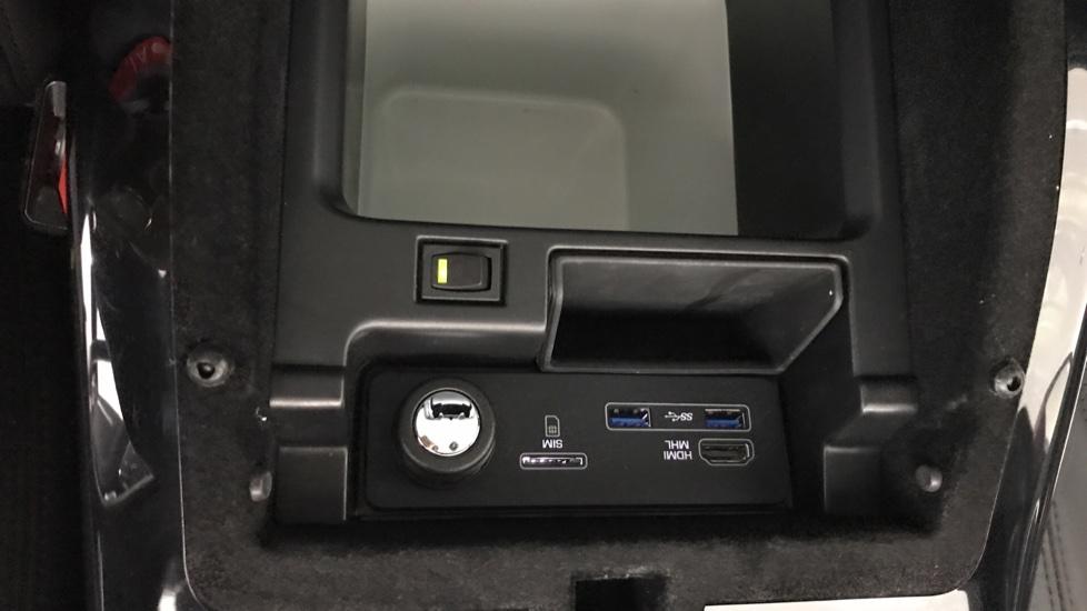 Land Rover Range Rover 3.0 SDV6 Vogue 4dr rear camera and sliding pan roof image 20