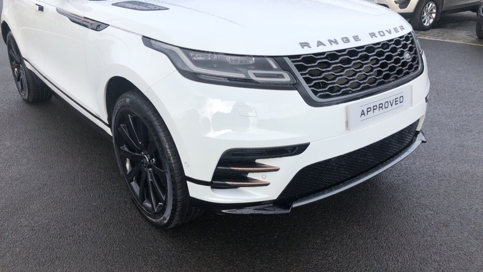 Land Rover Range Rover Velar 2.0 P250 R-Dynamic HSE 5dr image 16