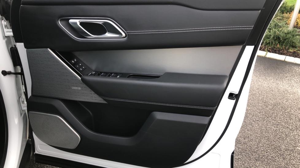 Land Rover Range Rover Velar 2.0 P250 R-Dynamic HSE 5dr image 19