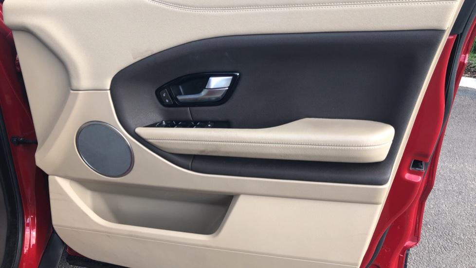 Land Rover Range Rover Evoque 2.0 eD4 SE Tech 5dr 2WD image 17