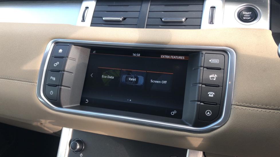 Land Rover Range Rover Evoque 2.0 eD4 SE Tech 5dr 2WD image 24