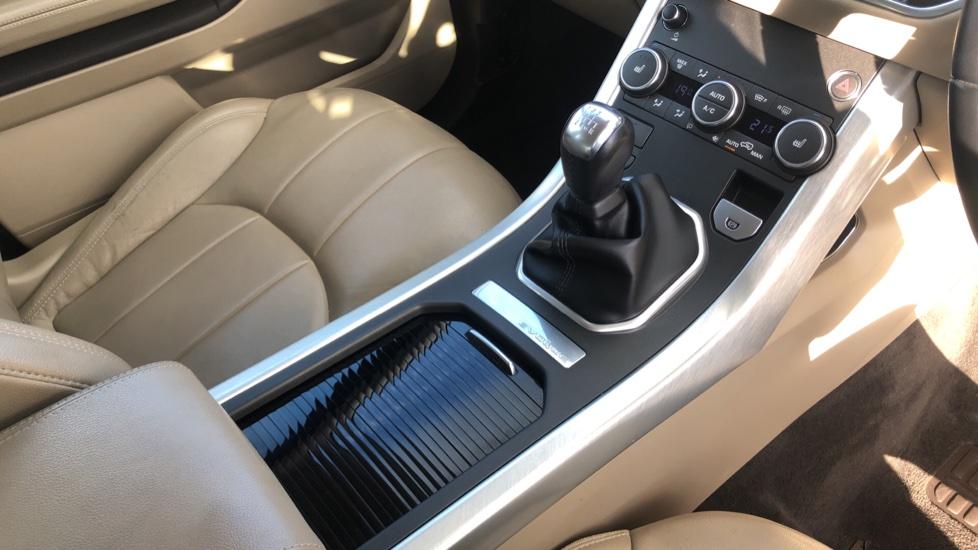 Land Rover Range Rover Evoque 2.0 eD4 SE Tech 5dr 2WD image 26