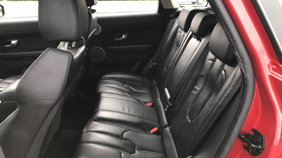 Land Rover Range Rover Evoque 2.2 eD4 Pure 5dr [Tech Pack] 2WD image 4