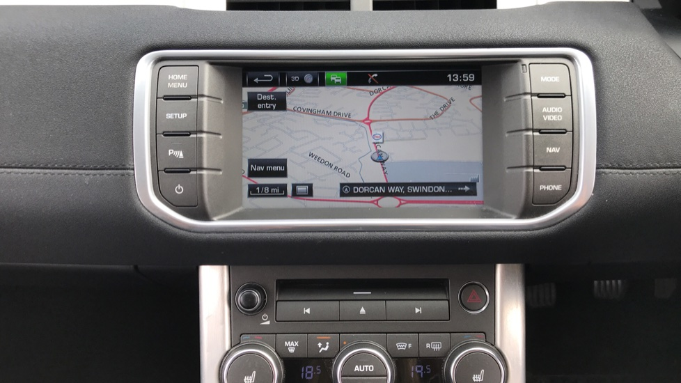 Land Rover Range Rover Evoque 2.2 eD4 Pure 5dr [Tech Pack] 2WD image 10