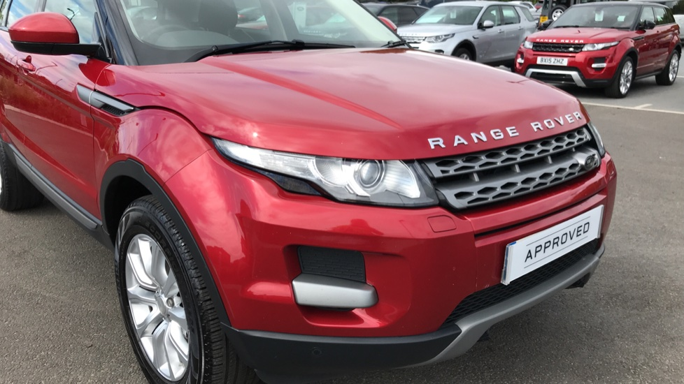 Land Rover Range Rover Evoque 2.2 eD4 Pure 5dr [Tech Pack] 2WD image 15