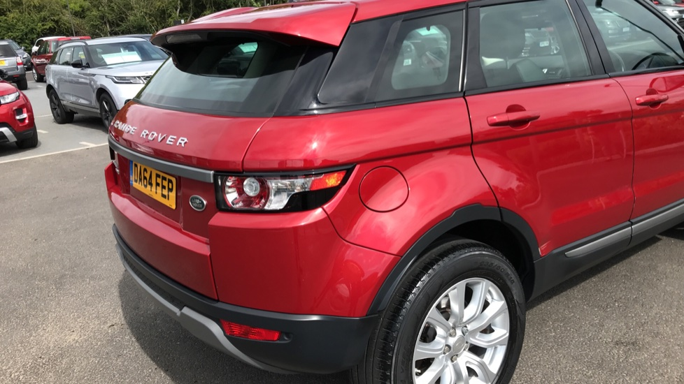 Land Rover Range Rover Evoque 2.2 eD4 Pure 5dr [Tech Pack] 2WD image 18