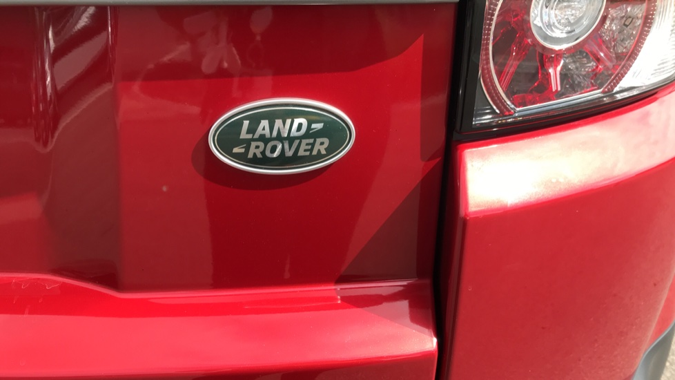 Land Rover Range Rover Evoque 2.2 eD4 Pure 5dr [Tech Pack] 2WD image 20