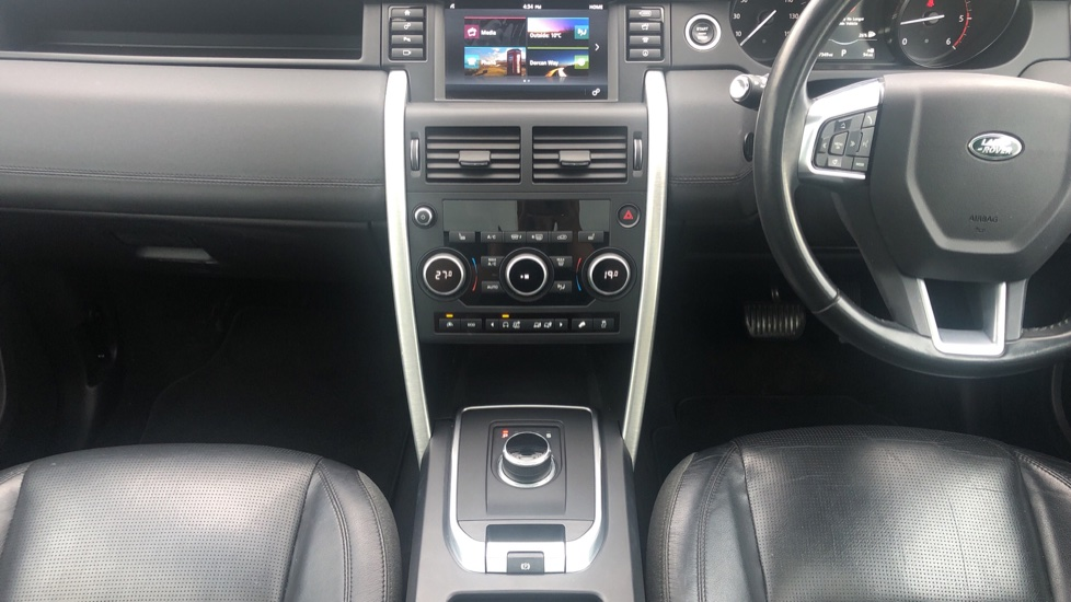 Land Rover Discovery Sport 2.0 TD4 180 HSE 5dr image 23