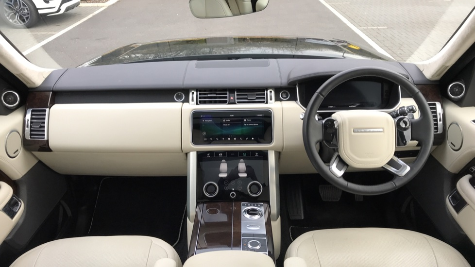 Land Rover Range Rover 3.0 SDV6 Autobiography 4dr image 9