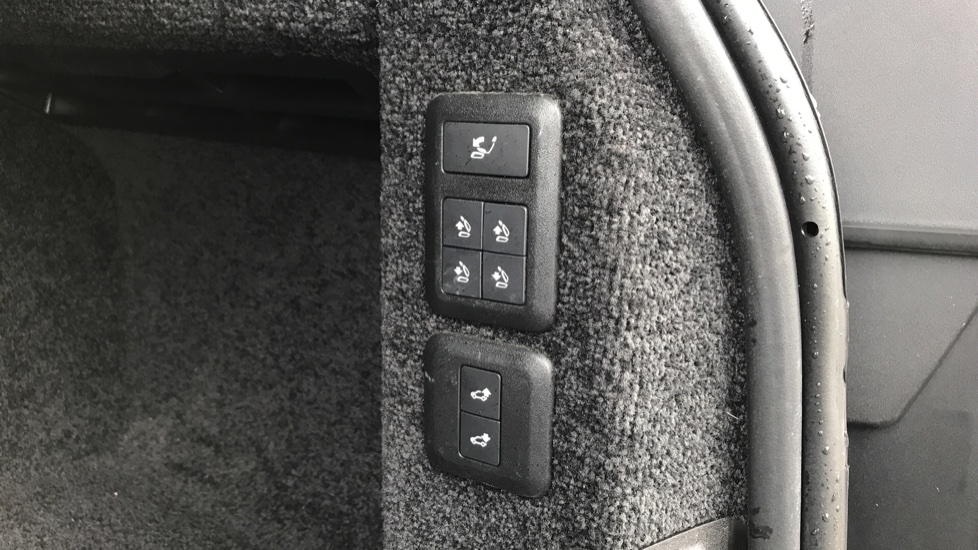 Land Rover Range Rover 3.0 SDV6 Autobiography 4dr image 29