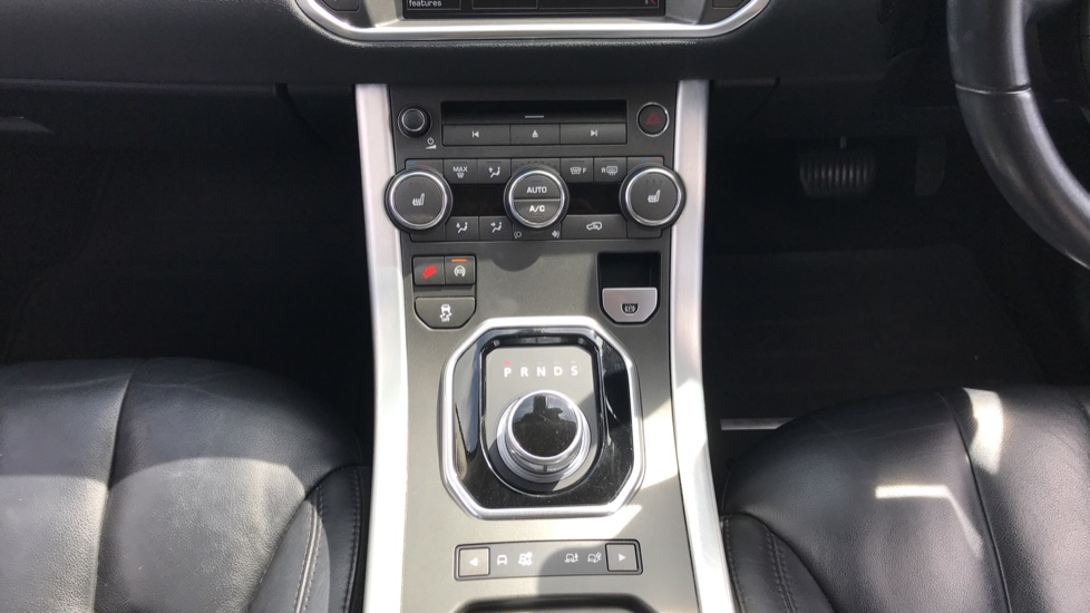 Land Rover Range Rover Evoque 2.2 SD4 Pure 5dr [Tech Pack] image 11