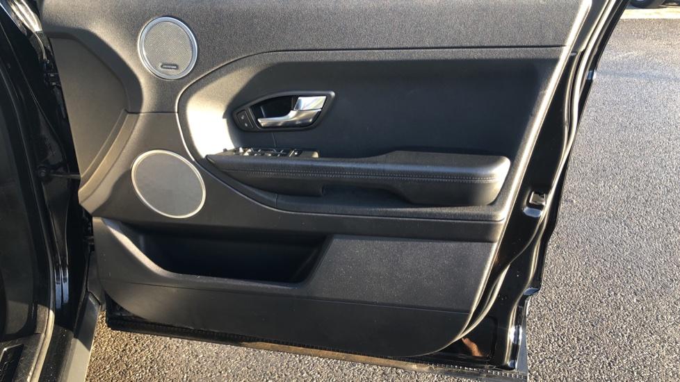 Land Rover Range Rover Evoque 2.2 SD4 Pure 5dr image 17