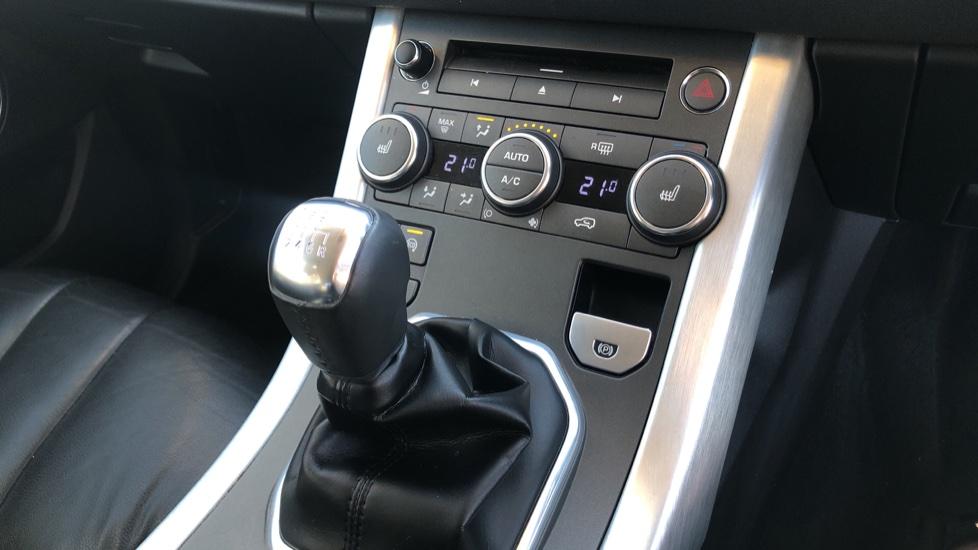 Land Rover Range Rover Evoque 2.2 SD4 Pure 5dr image 23