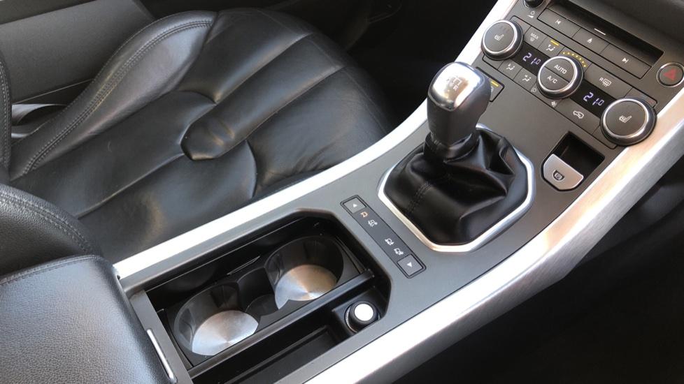 Land Rover Range Rover Evoque 2.2 SD4 Pure 5dr image 24