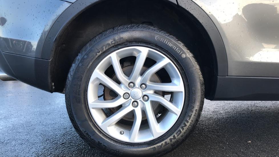 Land Rover Discovery Sport 2.0 TD4 180 SE Tech 5dr image 8