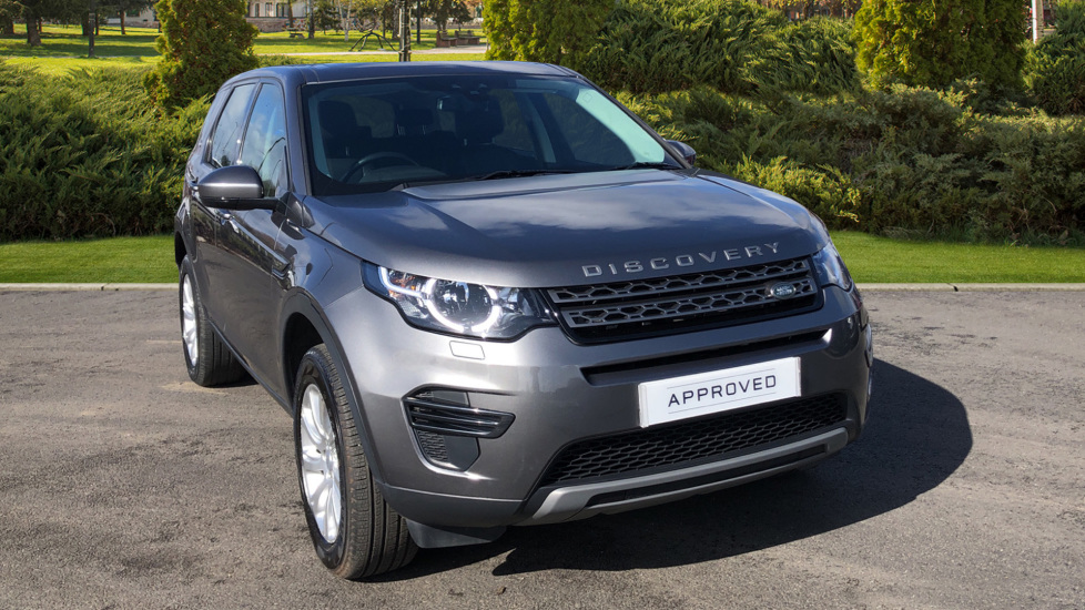 Land Rover Discovery Sport 2.0 TD4 180 SE 5dr image 1