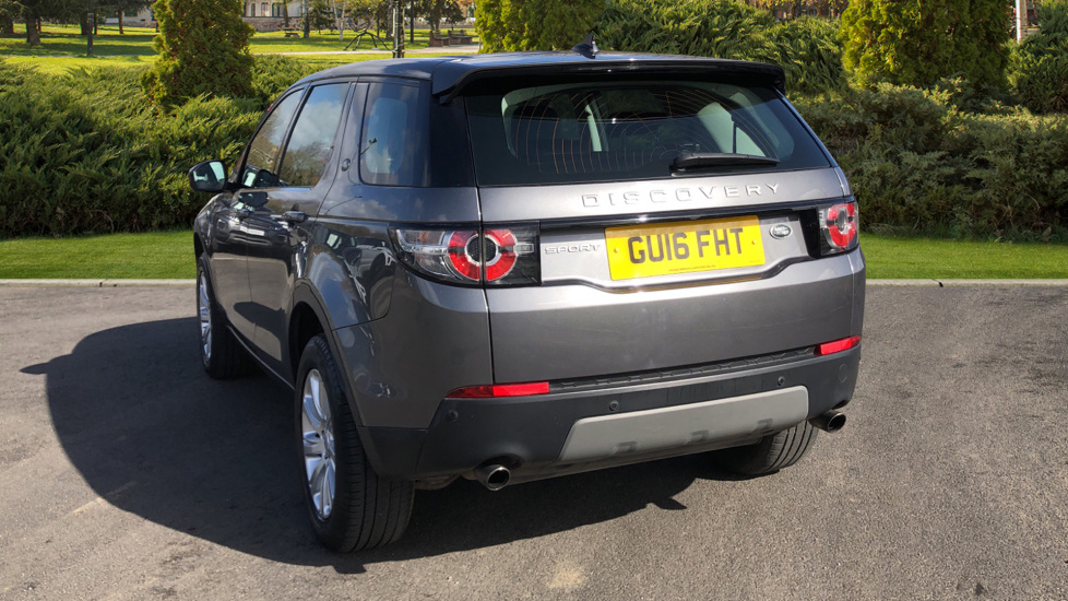 Land Rover Discovery Sport 2.0 TD4 180 SE 5dr image 2