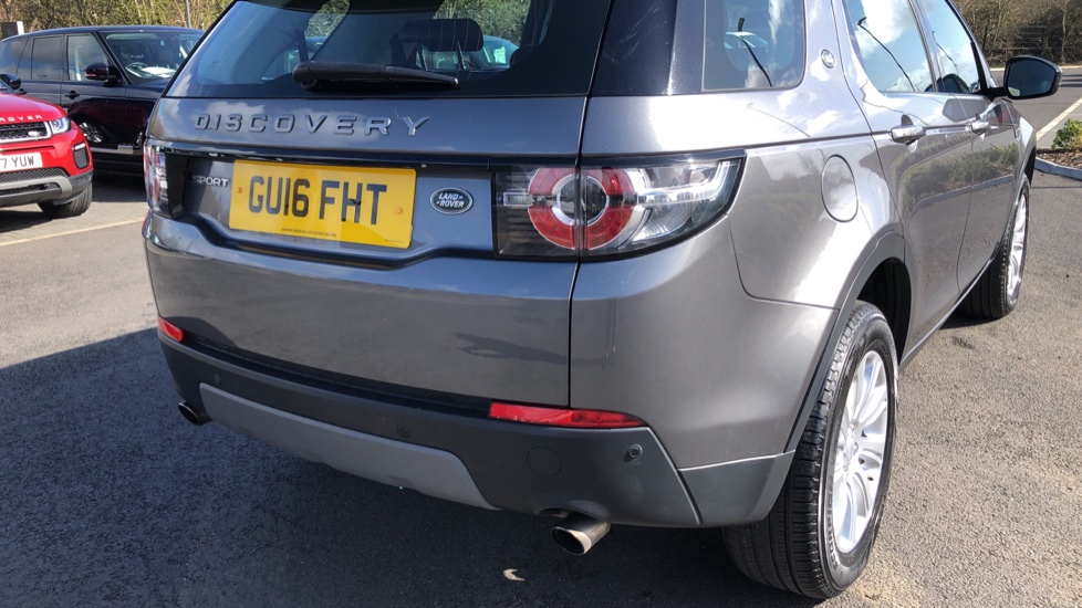 Land Rover Discovery Sport 2.0 TD4 180 SE 5dr image 11