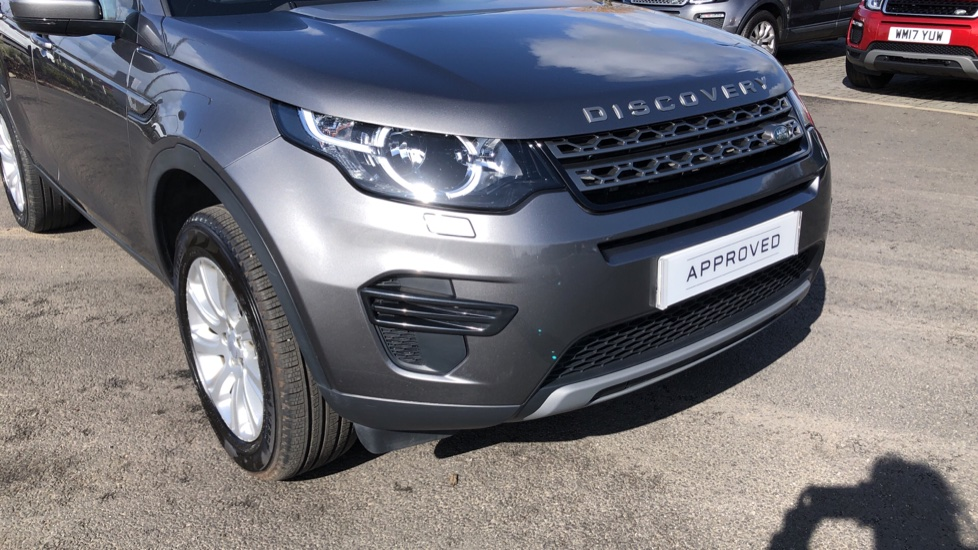 Land Rover Discovery Sport 2.0 TD4 180 SE 5dr image 14