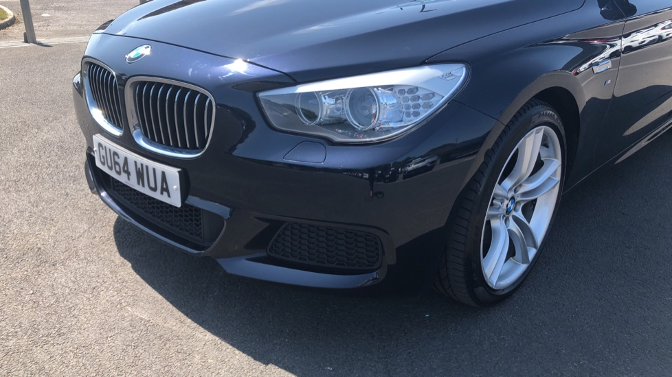 BMW 5 Series 530d M Sport Step image 17