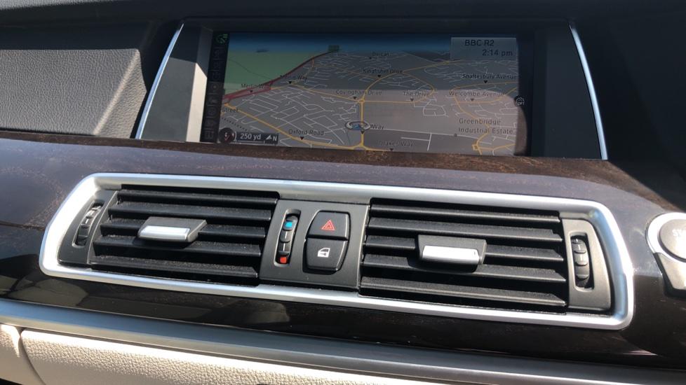 BMW 5 Series 530d M Sport Step image 29