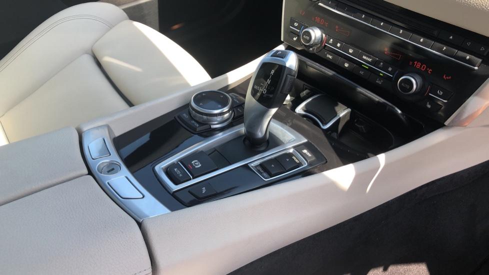 BMW 5 Series 530d M Sport Step image 31