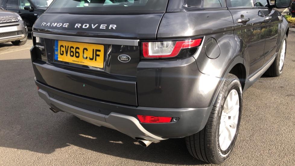Land Rover Range Rover Evoque 2.0 TD4 SE 5dr image 10