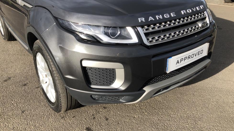 Land Rover Range Rover Evoque 2.0 TD4 SE 5dr image 13
