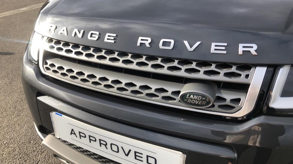 Land Rover Range Rover Evoque 2.0 TD4 SE 5dr image 15