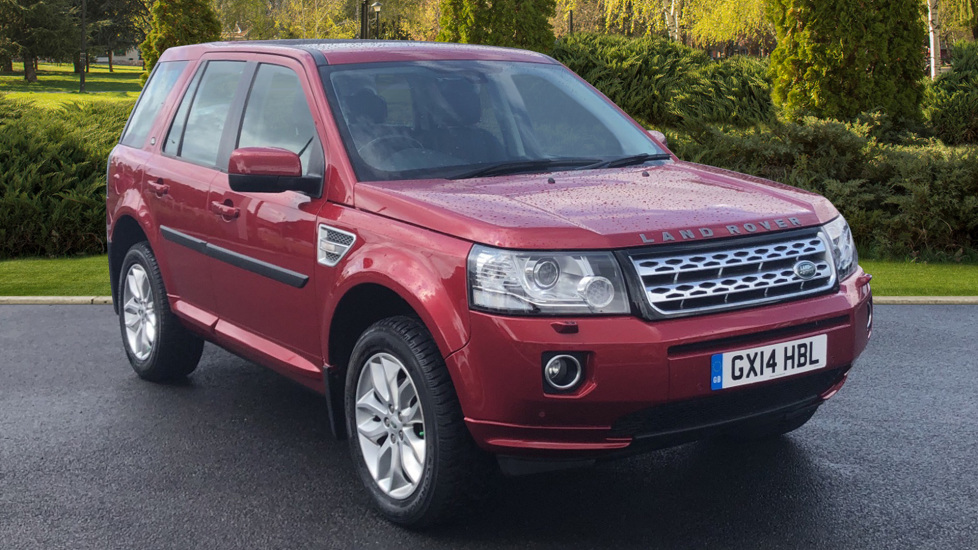 Land Rover Freelander 2.2 SD4 HSE 5dr Diesel Automatic 4x4 (2014) at Land Rover Swindon thumbnail image
