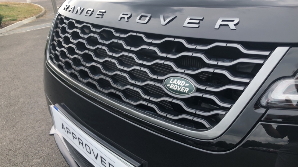Land Rover Range Rover Velar 2.0 D240 R-Dynamic HSE 5dr image 22