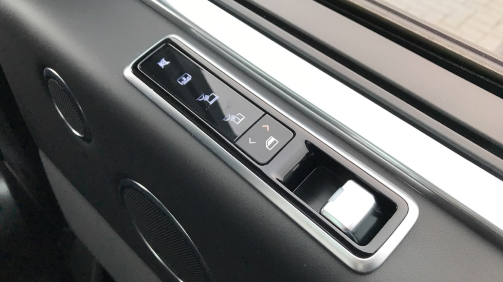 Land Rover Range Rover 4.4 SDV8 Autobiography LWB 4dr Auto image 29