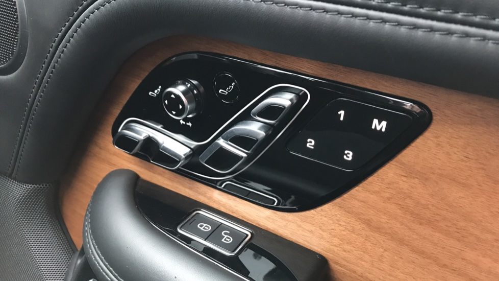 Land Rover Range Rover 5.0 V8 S/C Autobiography 4dr image 22