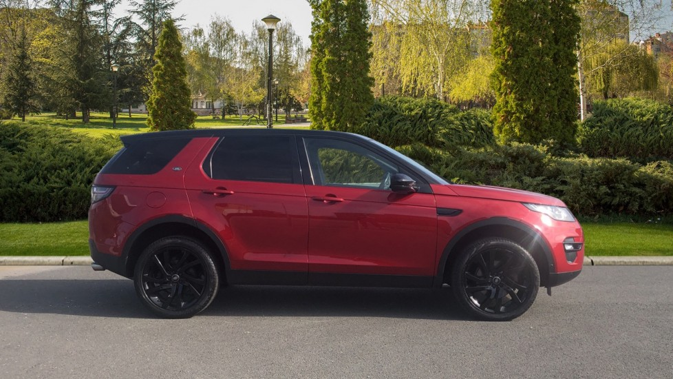 Land Rover Discovery Sport 2.0 TD4 180 HSE Luxury 5dr image 5