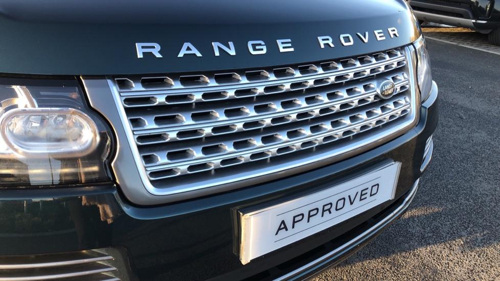 Land Rover Range Rover 3.0 TDV6 Vogue 4dr image 17