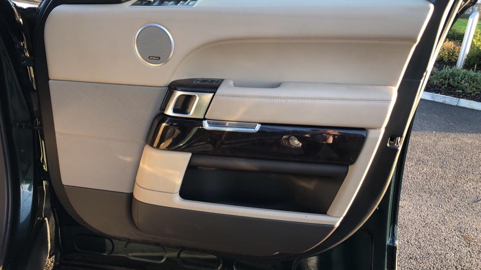 Land Rover Range Rover 3.0 TDV6 Vogue 4dr image 18