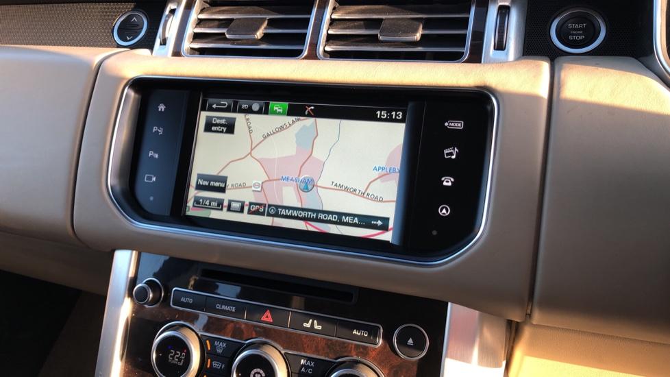 Land Rover Range Rover 3.0 TDV6 Vogue 4dr image 29