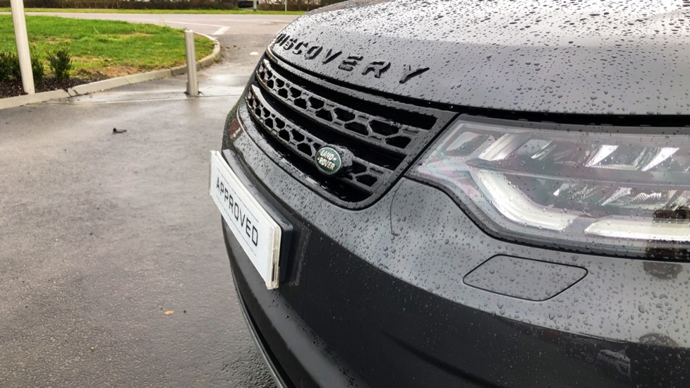 Land Rover Discovery HSE TD6 AUTO with Desirable Factory Fitted Extras image 17