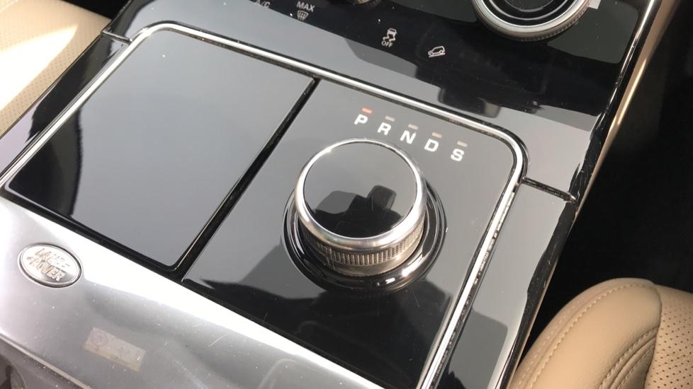 Land Rover Range Rover Velar 2.0 D240 R-Dynamic S 5dr image 16