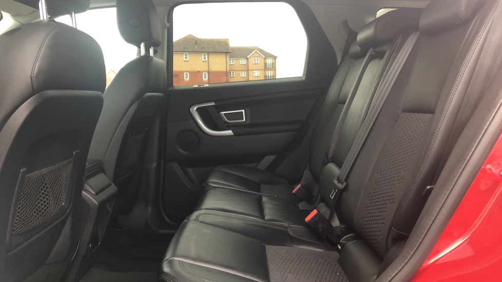 Land Rover Discovery Sport 2.0 TD4 180 SE Tech 5dr image 4