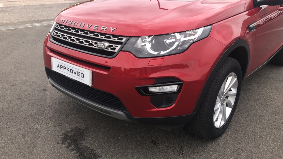Land Rover Discovery Sport 2.0 TD4 180 SE Tech 5dr image 16